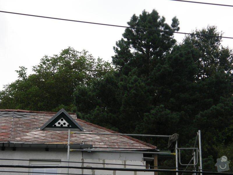 Oprava střechy.Výměnu eternitové krytiny za plastové šablony nebo plech.Opravy krovu a bedění: P8240048