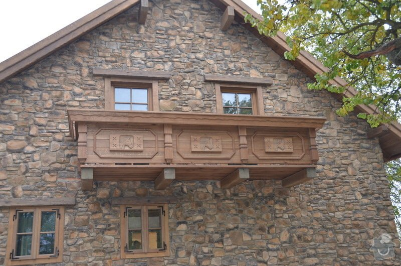 Dubový Balkón s řezbami: DSC_3984