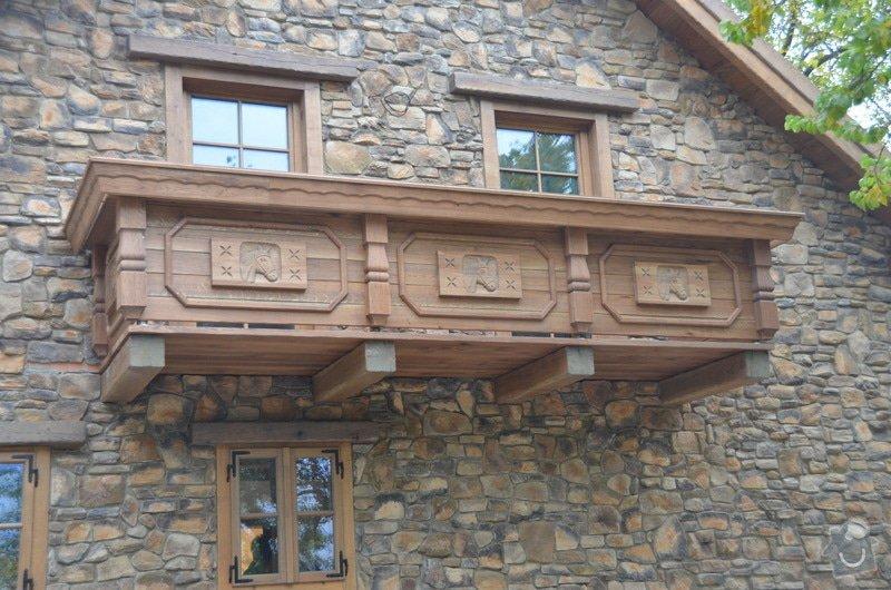 Dubový Balkón s řezbami: DSC_3982