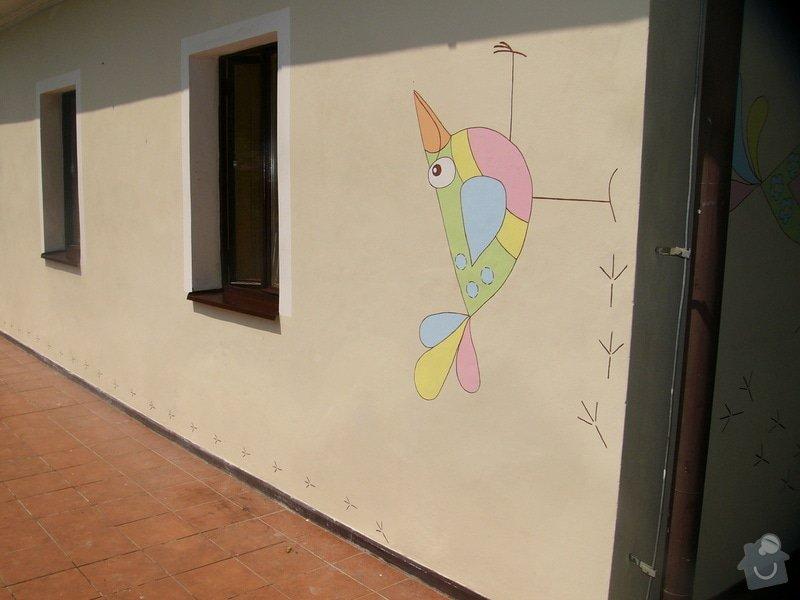 Nástěnná malba pro miniškolku v roce 2012, 2013 + Renovace a výzdoba dveří samolepkami: nastenna-malba-pro-miniskolku-v-roce-2012_P1270909
