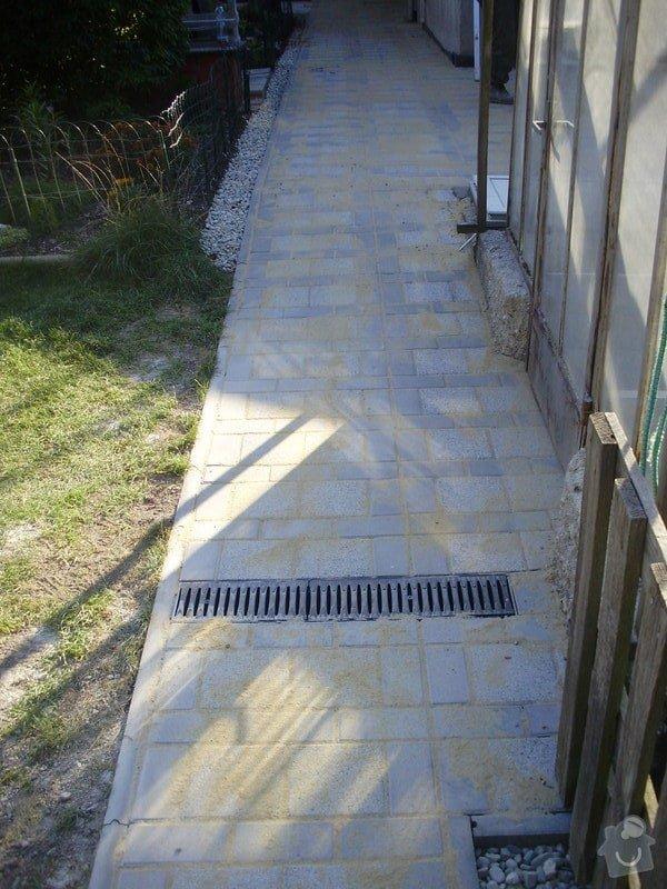 Rekonstrukce dvora a chodníků.: P9280760