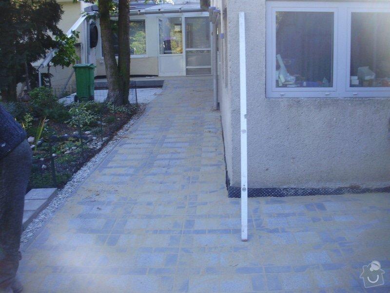 Rekonstrukce dvora a chodníků.: P9280761