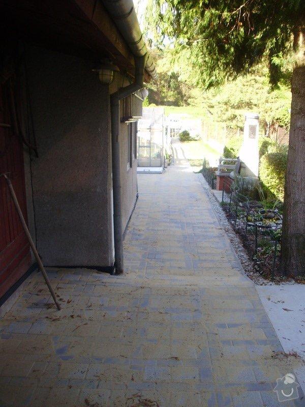 Rekonstrukce dvora a chodníků.: P9280763