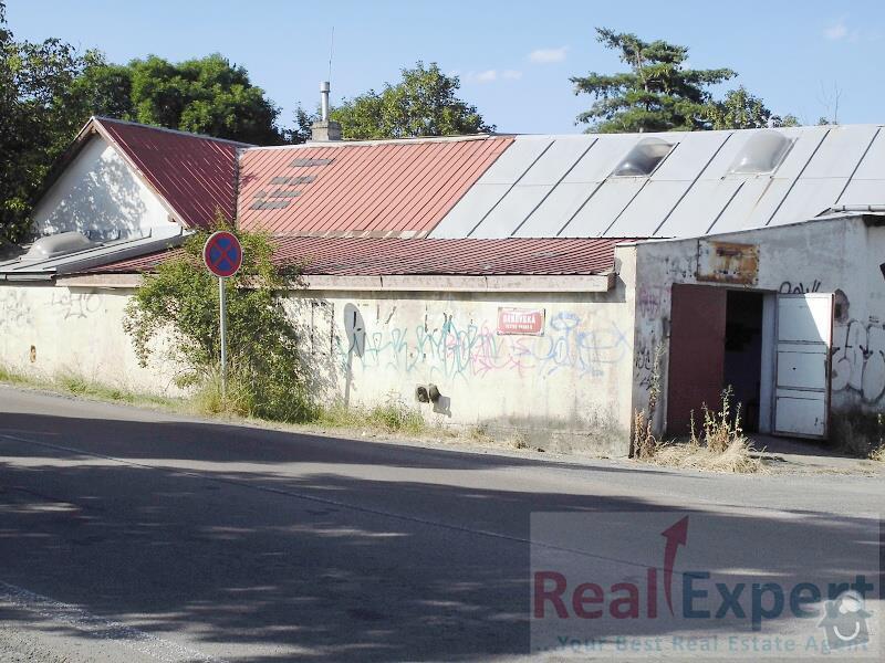 Výměna plechové střechy na garáži, cca 50m2.: zvenku_z_realitky