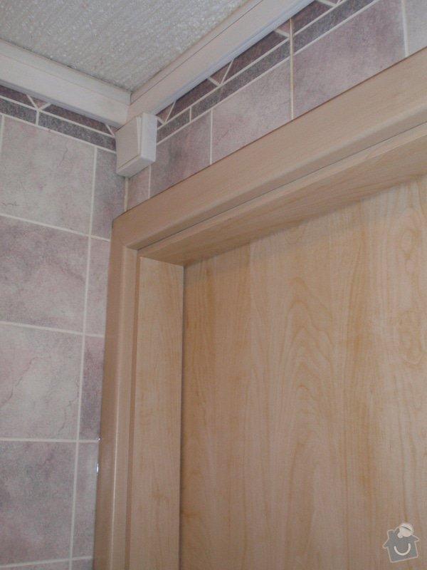 Sádrokartonová příčka a strop + vestavěné skříně a dveře do pouzdra: P1010075