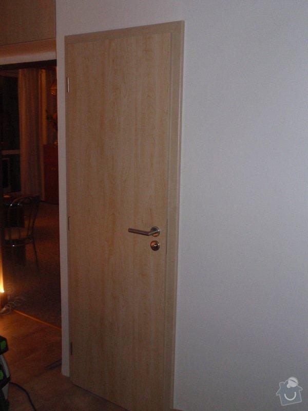 Sádrokartonová příčka a strop + vestavěné skříně a dveře do pouzdra: P1010077