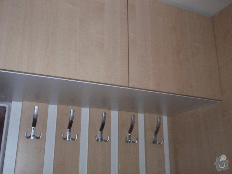 Sádrokartonová příčka a strop + vestavěné skříně a dveře do pouzdra: P1010080