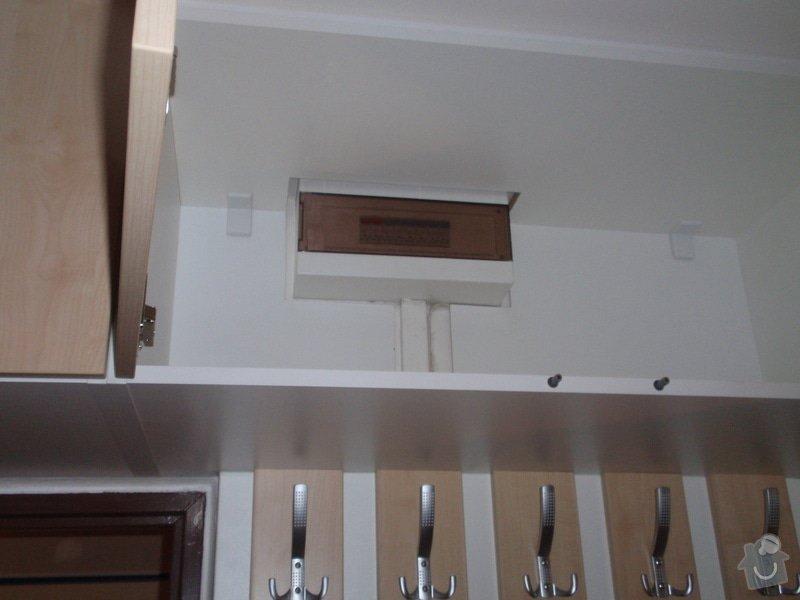Sádrokartonová příčka a strop + vestavěné skříně a dveře do pouzdra: P1010081