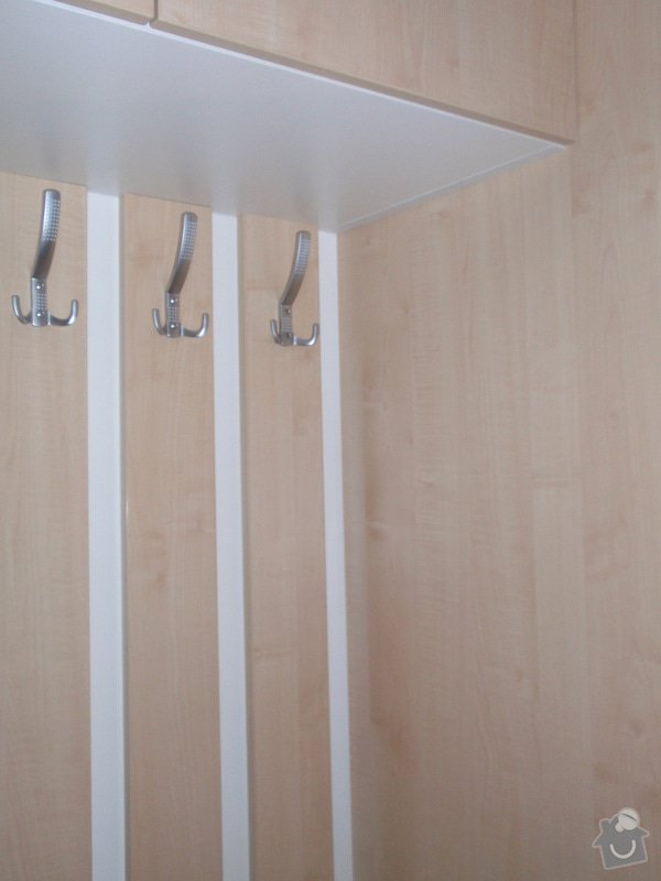 Sádrokartonová příčka a strop + vestavěné skříně a dveře do pouzdra: P1010083