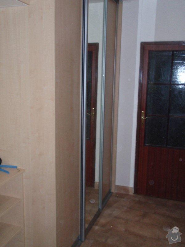 Sádrokartonová příčka a strop + vestavěné skříně a dveře do pouzdra: P1010086