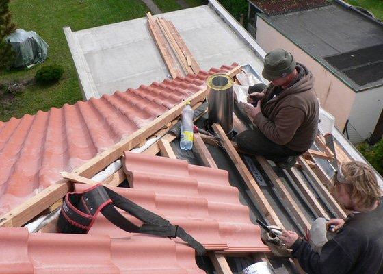 Rekonstrukce střešního pláště na RD ul. Dobročovická