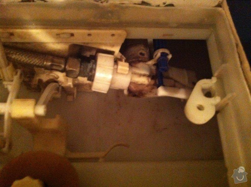 Oprava protekajiciho splachovani toalety: IMG_6133