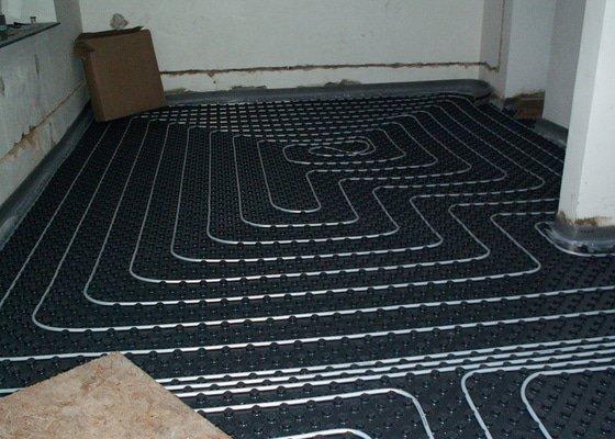 Montáž podlahového topení a technologie kotelny.