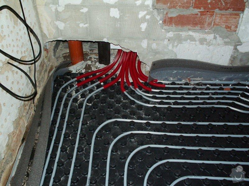 Montáž podlahového topení a technologie kotelny.: PICT6657