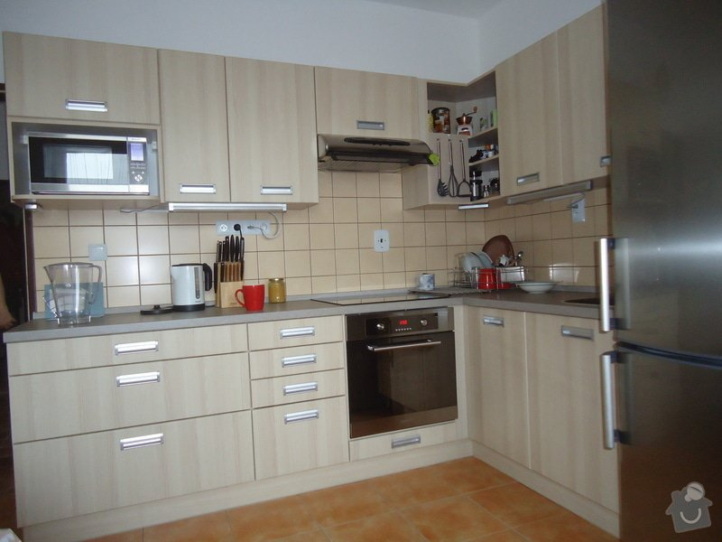 Sundat lino v kuchyni, položit dlažbu 17 m2 vymalovat kuchyň: 000