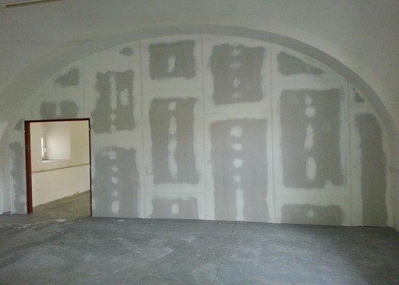 Sádrokartonová stěna