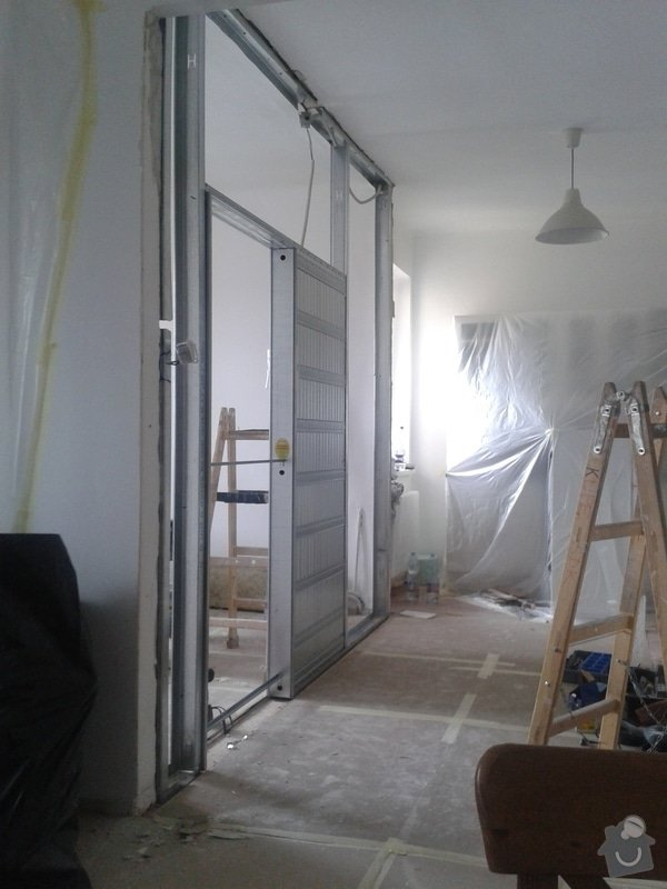 Posunutí dvěřního otvoru v sadrokartonové stěně: 20130916_130604