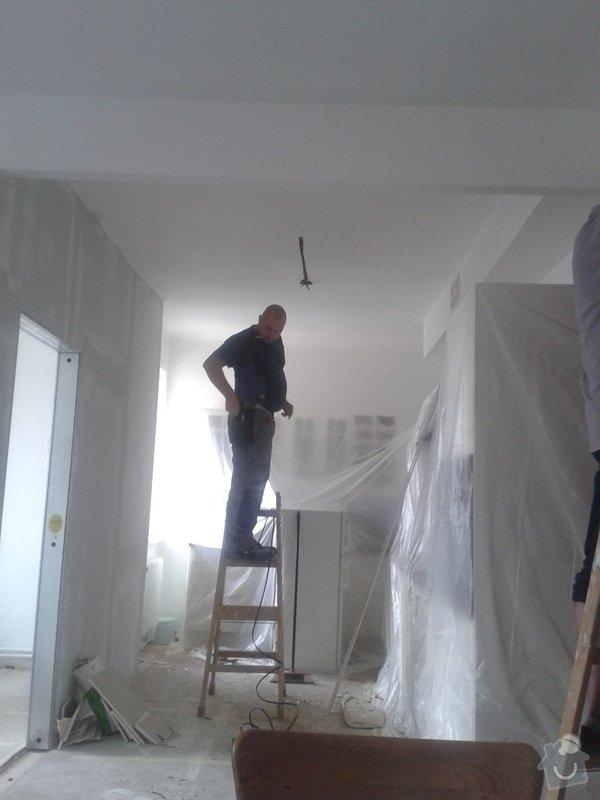 Posunutí dvěřního otvoru v sadrokartonové stěně: 20130917_113821
