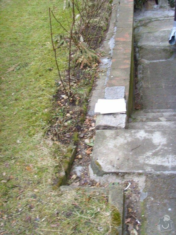 Litý beton a schody kolem domu: chodnicky_a_zlabky_3
