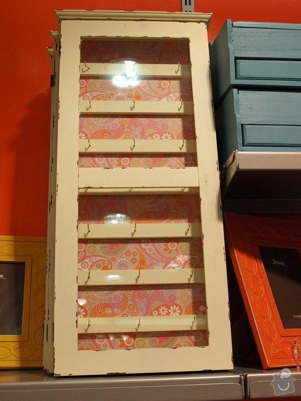 Skříňka na naušnice: skrinka