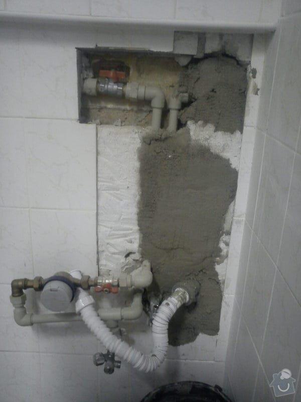 Opravy v koupelně po instalatéřích: 11