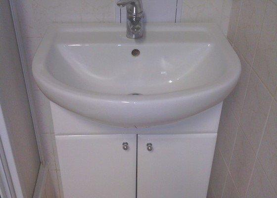 Opravy v koupelně po instalatéřích