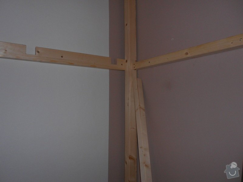 Výroba a montáž patra na spaní: DSCN0595