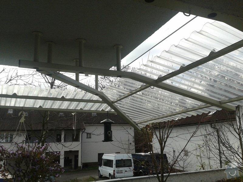 Úprava balkonové stříšky: 20131030_105935