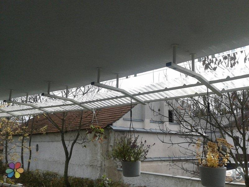 Úprava balkonové stříšky: 20131030_105946