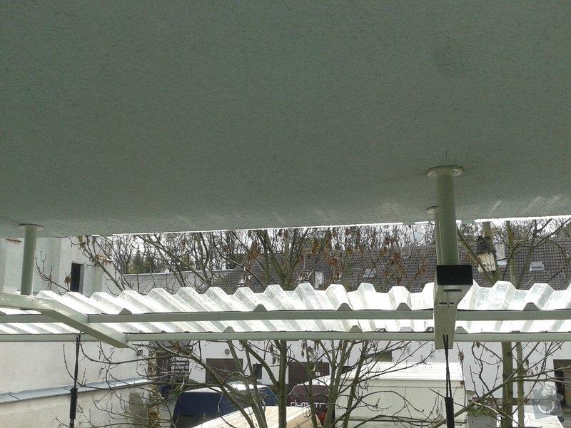 Úprava balkonové stříšky: 20131030_105959