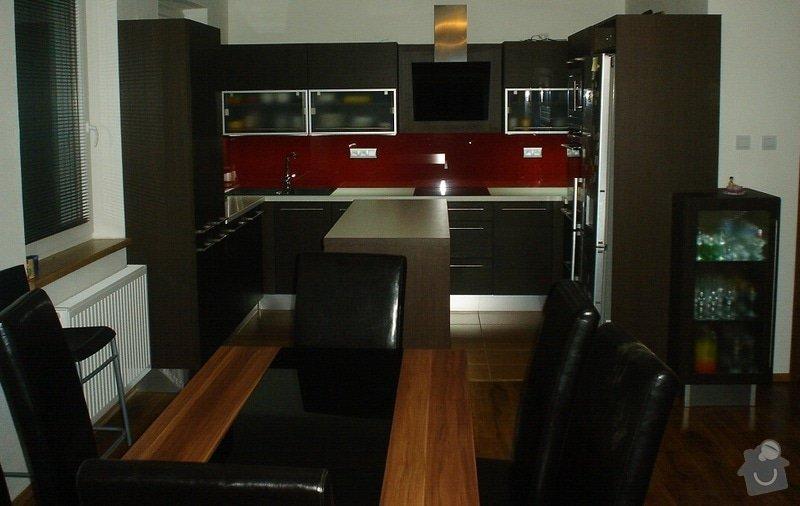Kuchyňská linka: Kuchyn_P-D_bilovice
