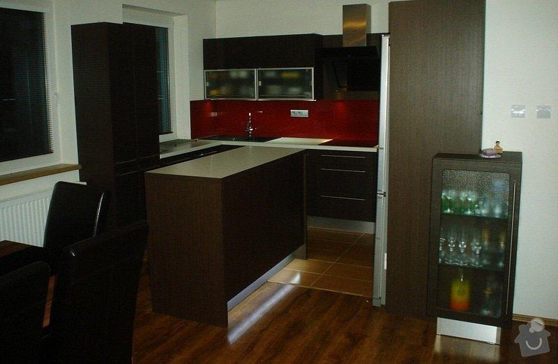 Kuchyňská linka: Kuchyn_P-F_bilovice
