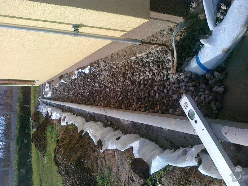 Obrubníky a odvod vody od domu: 211020131178