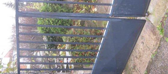 Zámečnické práce - oprava vjezdových vrat