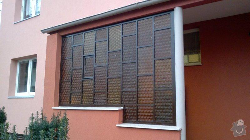 Renovace prosklené stěny zádveří: 2013-11-03-0455