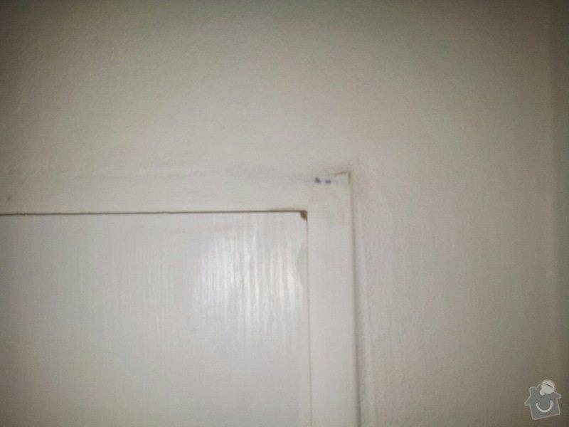 REKONSTRUKCE bytu: Poskozene_bezp.dvere_obrousene_futro