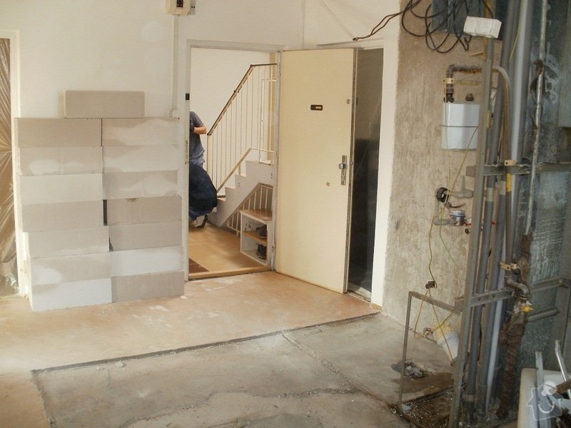 Rekonstrukce bytového jádra, stavební úpravy kuchyně a chodby: 2