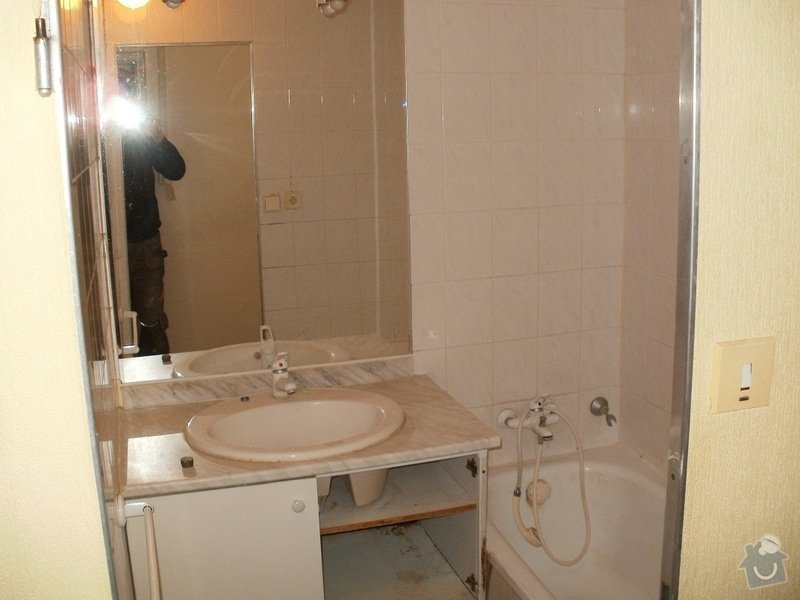 Rekonstrukce bytového jádra, stavební úpravy kuchyně a chodby: 11