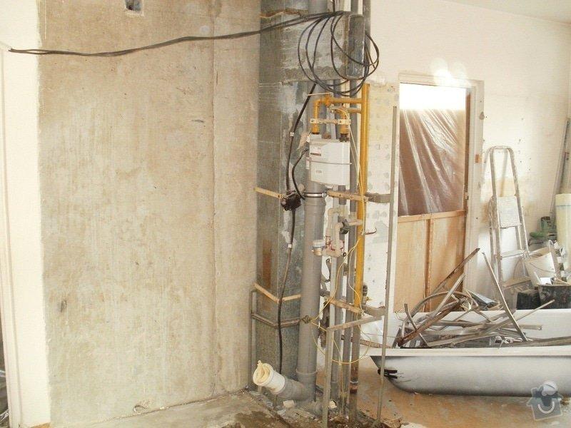Rekonstrukce bytového jádra, stavební úpravy kuchyně a chodby: 12