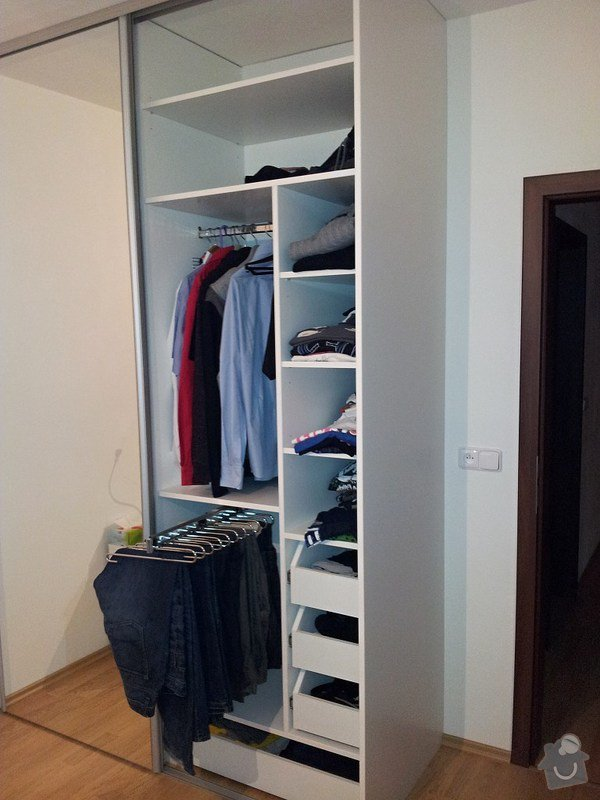 Výroba a montáž skříně a předsíňové stěny se šatní skříní na míru: 20131116_173752