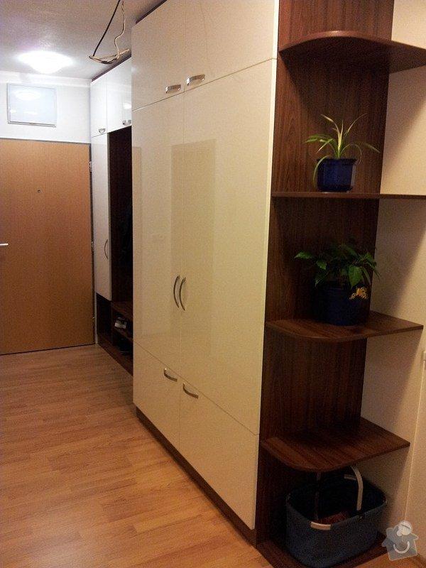 Výroba a montáž skříně a předsíňové stěny se šatní skříní na míru: 20131116_174035