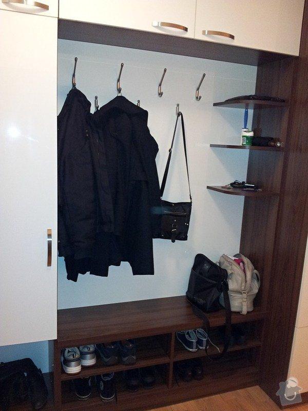 Výroba a montáž skříně a předsíňové stěny se šatní skříní na míru: 20131116_173954