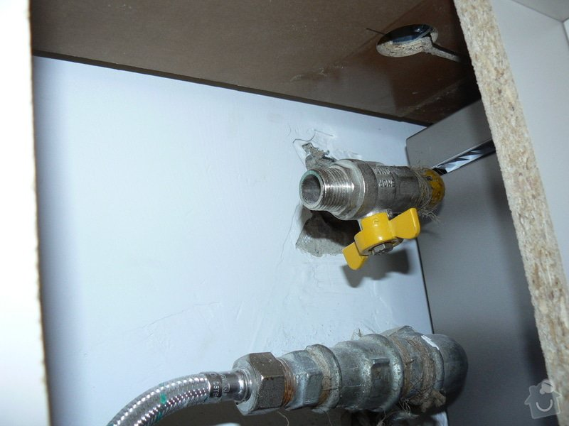 Rozvod plynu - úprava + zapojení sporáku: P1010044