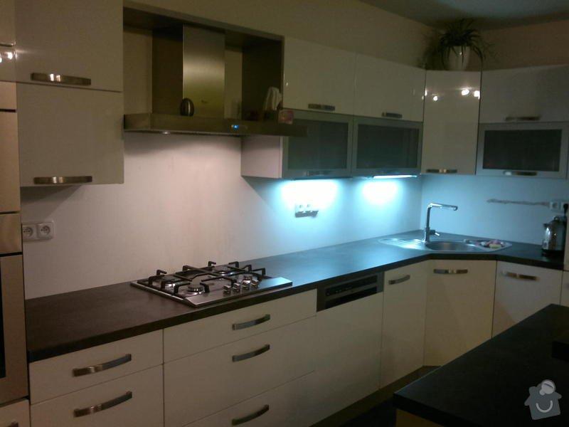 Obložení kuchyňské linky: Foto_mista_obkladu