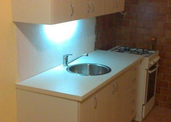 Výměna malé kuchyňské linky (160cm) v paneláku