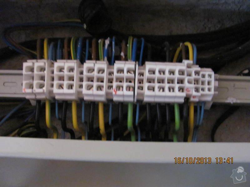 Přepojení společného osvětlení v domě na jiný elektroměr a zrušení jednoho odběrného místa: 017
