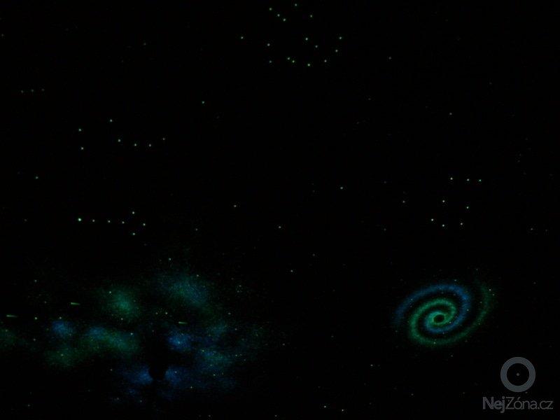 Dekorace dětského pokoje noční oblohou: P1230034