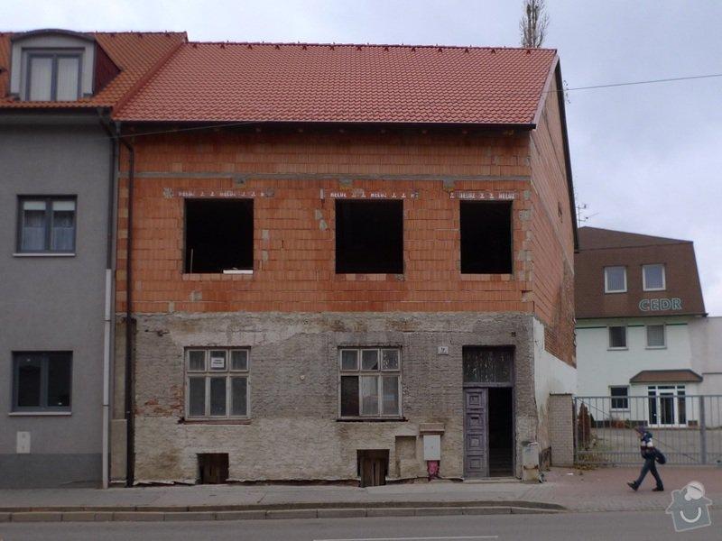 Plastová okna a dveře: fotka_pohled_z_ulice-