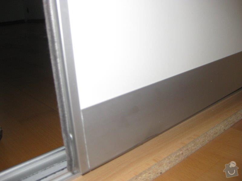 Opravy nábytku - kuchyn, vest. skříň: IMG_4044