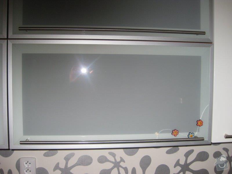 Opravy nábytku - kuchyn, vest. skříň: IMG_4046